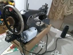 Máquina Singer Antiga com motor Singer