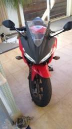 500 cc CBR 500r com menos de 7 mil km