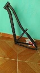 Vende-se quadro de bicicleta