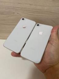 Celulares em perfeito estado de Vitrine .... ( 8 prata 64gb ) iPhone