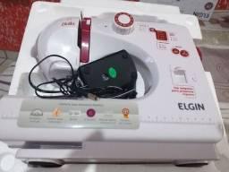 Máquina de costura Elgin Bella
