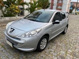 Peugeot 207 1.4 XR 2013 IMPECÁVEL Licenciado 2020