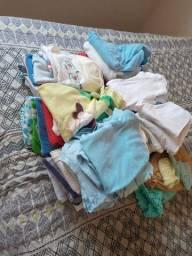 Vendo lote de roupa bebe menino Rn p m g
