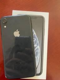 Iphone XR - 64Gb (Tela trincada)