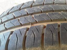 2 pneus  pouco usados