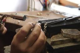 Reparo e confecção de joias