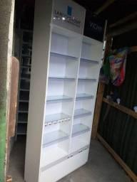 Vendo 2 estantes em mdf expositora usada ( 420,00 CADA ) entrego