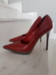 Scarpin couro vermelho Para Raio