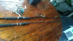 2   Vara de pesca com 1 molinete