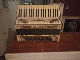 Vende-se uma acordeon