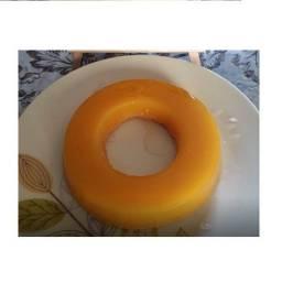 Quindins, quindão e bolo com quindim