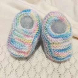 Sapatinho de Bebê de Tricô Colorido - 0 a 3 meses