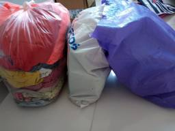 Pra você levar logo lote de roupas  pra seu brechó com peças variadas !