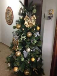 Árvore de Natal Feng com Enfeites Cecília Dale