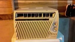 Vendo ar-condicionado corrier  R$350