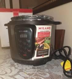 Panela de pressão elétrica na caixa