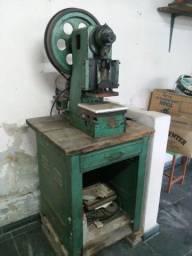 Maquinario para calçados e bolsas