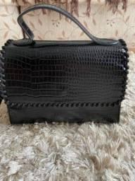 Bolsa croco material sintético preta