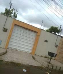 Casa plana 6x50m em Caucaia 3 vagas de garagem