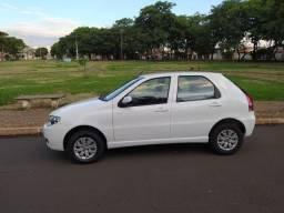 Fiat Pálio 2015/2016 1.0 branco 04 portas (com ar condicionado)