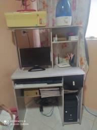 Vendo rack ( mesa de computador) ( escrivaninha)