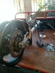 Peça frente de moto kasisnk mirage 650