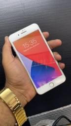 Vendo ou troco iphone 8 Plus 64 gigas funcionando perfeitamente tufo bem conservado