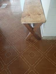Banco de madeira pe X