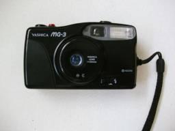 Câmera Yashica MG-3