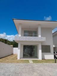Casa em condomínio com 3 suítes e terreno para fazer piscina em Buraquinho