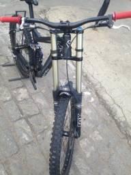 Bike Full DH fox 40