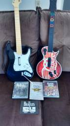 Vendo 02 guitarras, 02 jogos e 01 microfone para Guitar Hero e Rock Band do Ps3