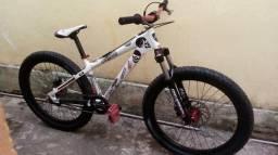 Bike GTK Midnight vendo ou troco por PS4 ,Pc gamer ou Notebook gamer