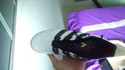 Chuteira adidas/futsal