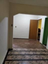 Aluga-se Casa 2 Quartos Ribeiro de Abreu