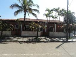 Vendo casa com piscina na praia de Peruíbe litoral Sul, preço imperdível!!