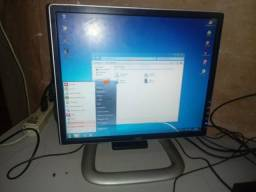 Monitor 17 dvi e vga regulável