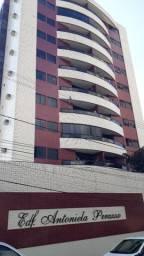 Alugo Apto Bairro Universitário - 03 quartos + Dep. empreg. - Excelente