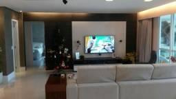 Apartamento na Ponta do Farol(197m²)/3 suítes+sala ampliada/frente mar/fino acabamento