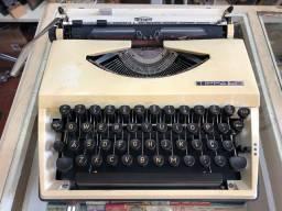 Máquina de escrever Triumph