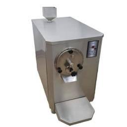 Vendo máquina de sorvete e açaí.