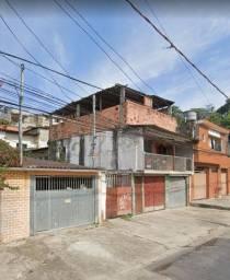 Ótimo investimento, terreno com 3 casas prontas por o preço de 1 casa