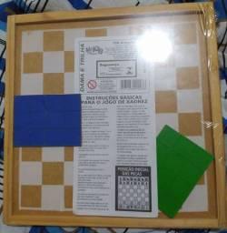 Tabuleiro de madeira jogar dama xadrez trilha diversão adulto e crianças