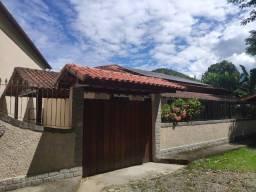 Guapimirim Centro 4 quartos (2 suítes)