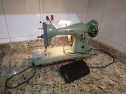 Máquina de costura antiga elétrica