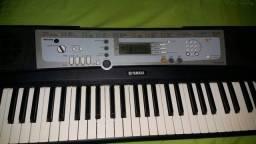 vendo teclado 500 semi novo sem pedaleira