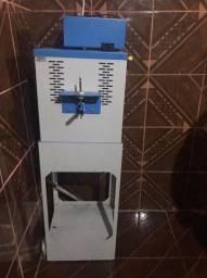 Máquina de fazer sandália
