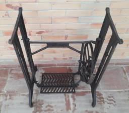 Pé de Máquina de Costura Antigo