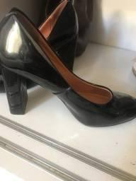 Sapato verniz Vizzano