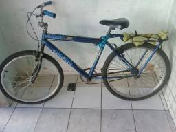 Bicicleta bem conservada so precisa de uma pintura mas o resto esta tudo ok